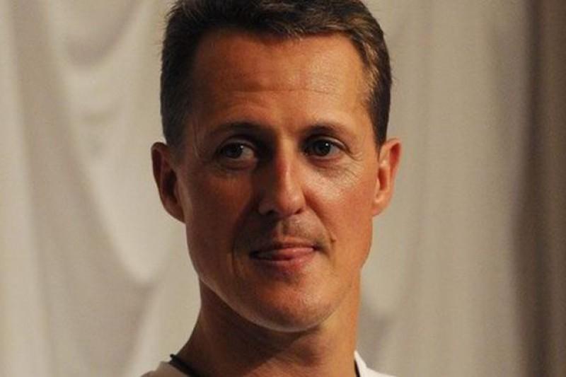 Michael Schumacher ar mai putea fi ţinut în comă indusă câteva săptămâni sau chiar luni
