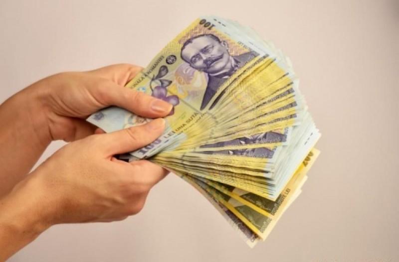 Mici averi câştigate lunar de cei mai bine plătiţi salariaţi botoşăneni