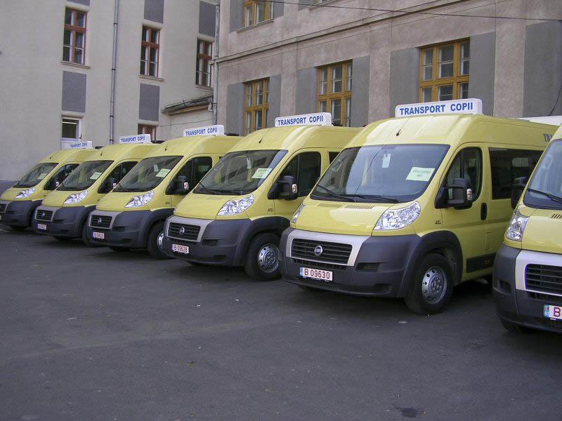 Microbuzele destinate transportului elevilor au ajuns, astazi, la scolile din judet