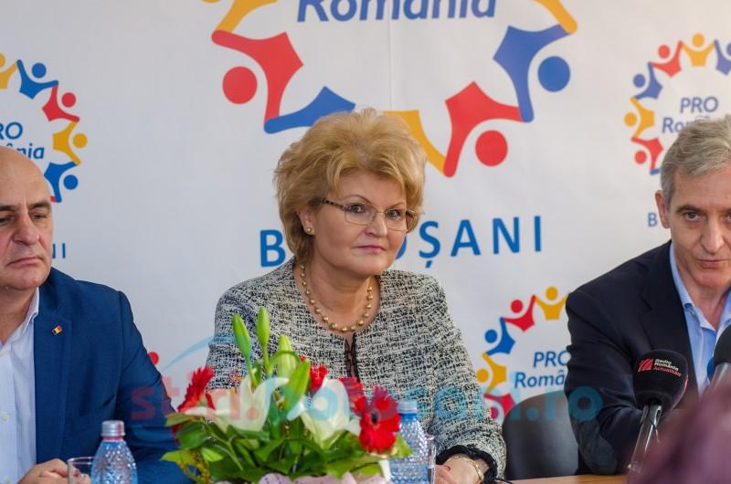 Mihaela Huncă deputat de Botoșani, membră Pro Romania: VOTAȚI PRO ROMÂNIA!