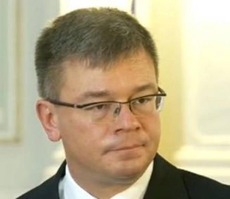 Mihai Razvan Ungureanu a demisionat de la conducerea SIE!