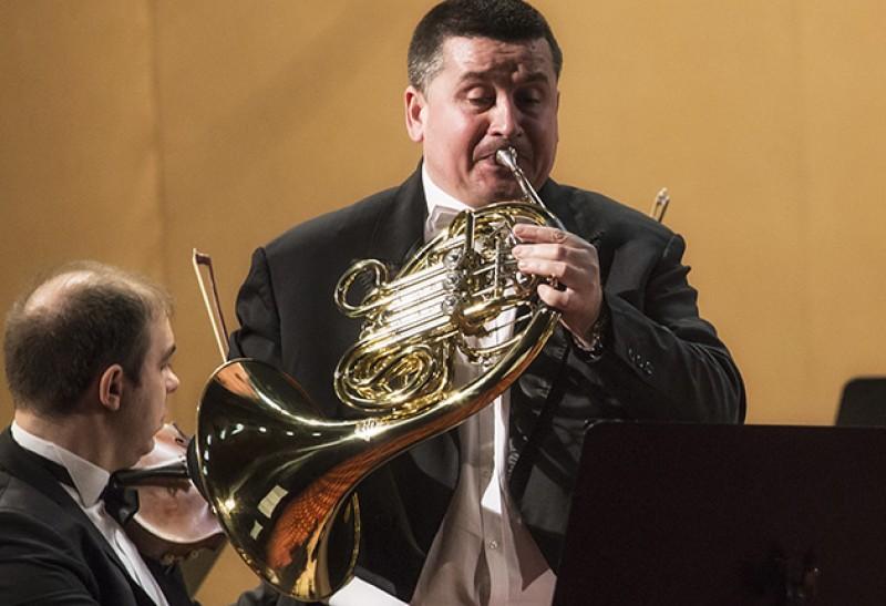 Mihai Sîrbu rămâne la cârma Filarmonicii botoșănene!