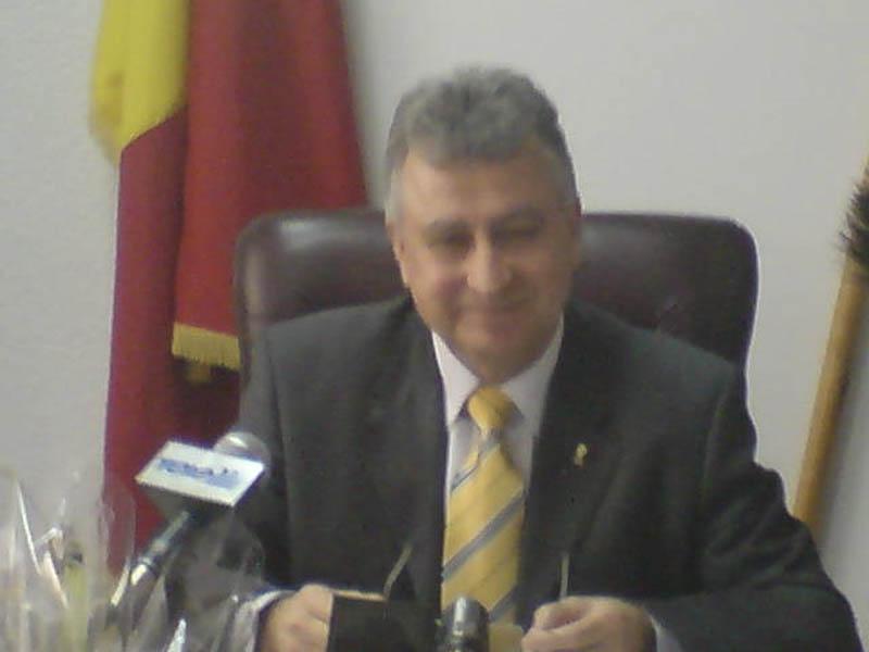 MIhai Tabuleac iese la raport!