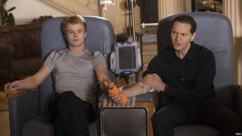 """Miliardarii care își injectează sânge de adolescenți pentru a deveni """"nemuritori"""""""