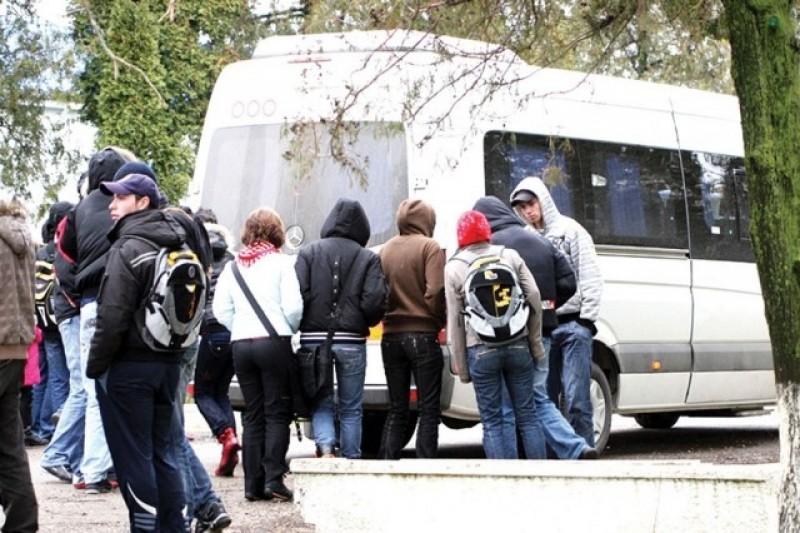 Ministerul Educatiei: Abonamentele elevilor navetisti se deconteaza integral, incepand din 23 noiembrie