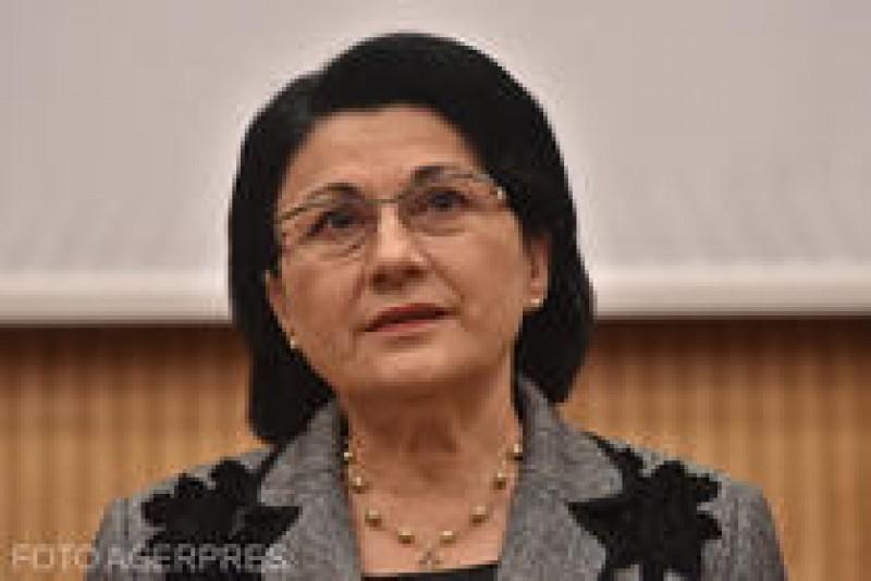 Ministerul Educației renunță la manualul unic. Ordinul publicat astăzi în Monitorul Oficial