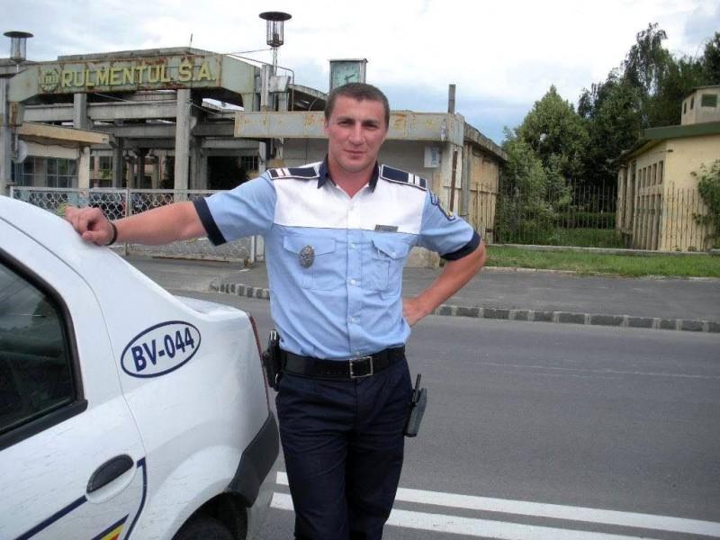 """Ministrul de Interne a fost """"amendat"""" de poliţistul Marian Godină"""