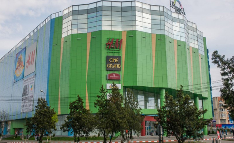 Ministrul Economiei: Mall-urile s-ar putea deschide la jumătatea lunii iunie