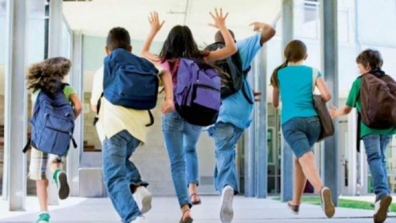 Ministrul Educației vrea table inteligente în toate sălile de clasă și tablete pentru toți elevii de gimnaziu și liceu