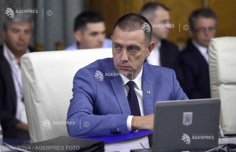 Ministrul Fifor a dispus dublarea numărului de locuri pentru formarea medicilor militari