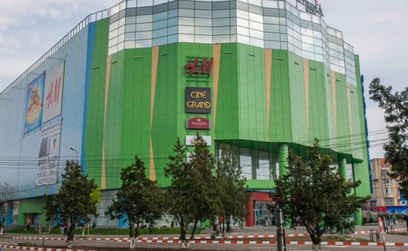 Ministrul Finanţelor, Florin Cîţu, dă ca dată aproape certă pentru deschiderea mall-urilor ziua de 15 iunie