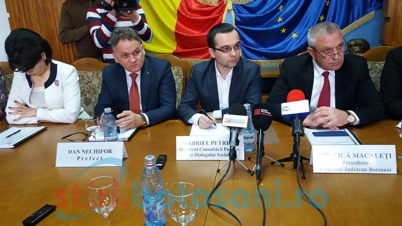 Ministrul Gabriel Petrea a ajuns la Botoşani! Prima întâlnire- cu reprezentanţii ONG-urilor!