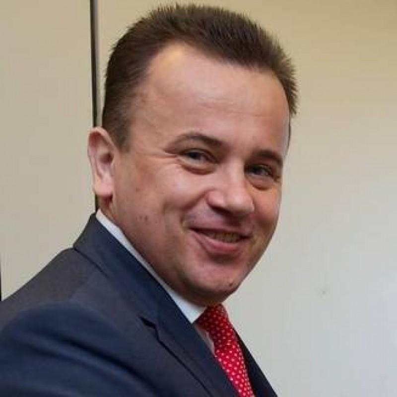 """Ministrul Liviu Pop e doctorand cu bursa la Academia de """"Poilitie"""""""