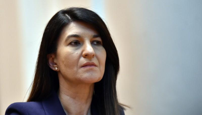 Ministrul Muncii, Violeta Alexandru, pune tunurile pe șefii Caselor de Pensii: Gata cu bătaia de joc la adresă pensionarilor!