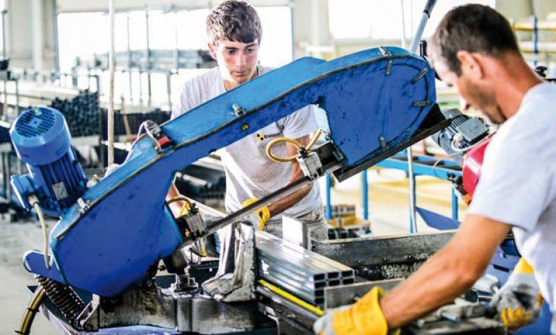 Ministrul Muncii vrea să se acorde șomaj tehnic și angajaților din firmele închise din cauza focarelor Covid-19