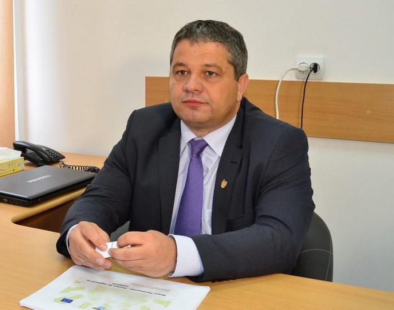 Ministrul Sănătății a făcut anunțul: S-a mărit limita de vârstă pentru CONCEDIUL medical al părinților