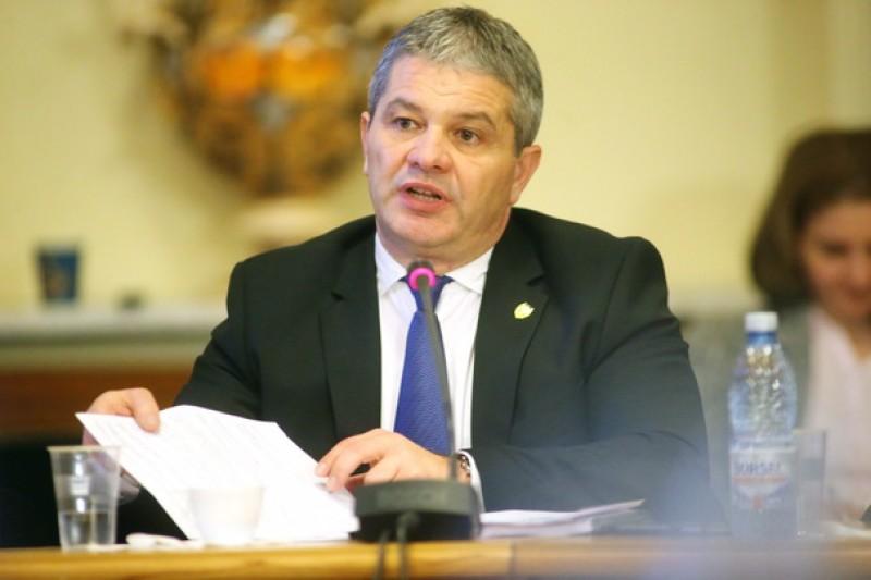 Ministrul Sănătăţii, despre cazul bărbatului de la Botoșani, rănit în explozie: Suntem depăşiţi în ceea ce priveşte capacitatea de a prelua pacienţii arşi!