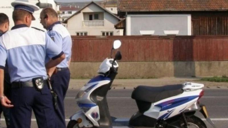 Minor călare pe un moped, depistat fără permis la Vorona