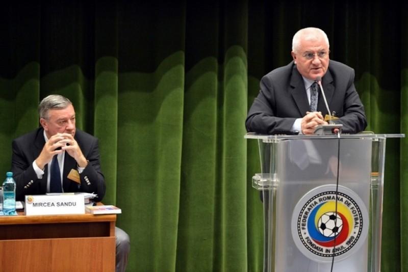 Mitică Dragomir şi Mircea Sandu, trimişi în judecată de DNA