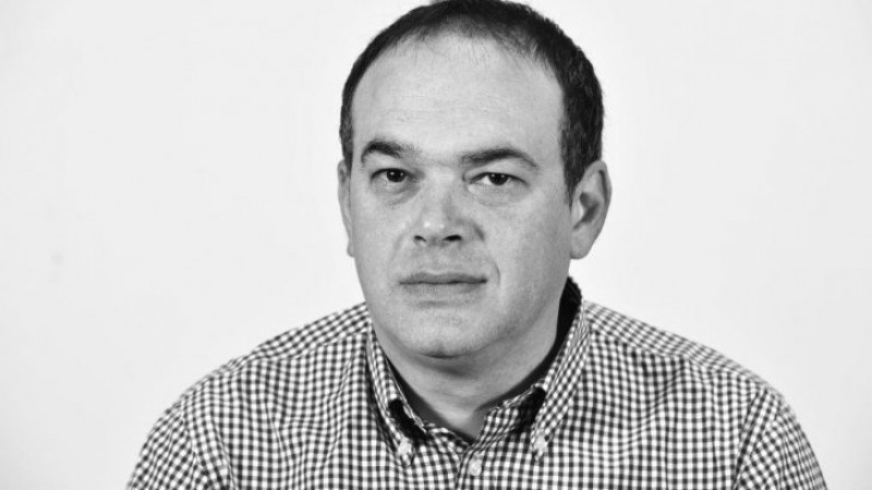 Moartea tragică a unui jurnalist: S-a prăbușit pe stradă și nu a mai putut fi salvat. Avea 47 de ani!