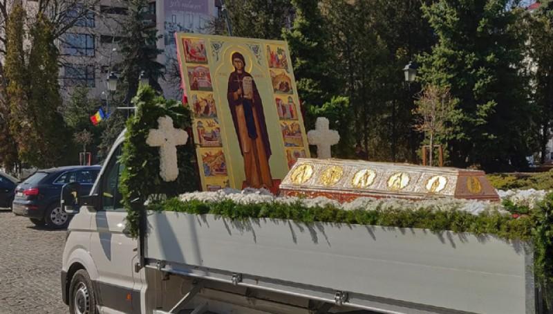 Moaștele Sfintei Cuvioase Parascheva: aproape 500 de km străbătuți prin Moldova în numele credinței