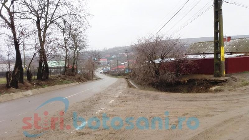 Modernizare de ani de zile! Un drum comunal pornit în reparaţii de zece ani nu e gata nici acum