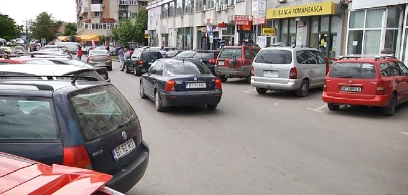 Modificarea softului la parcometre amână creșterea tarifului la parcările cu plată din municipiu