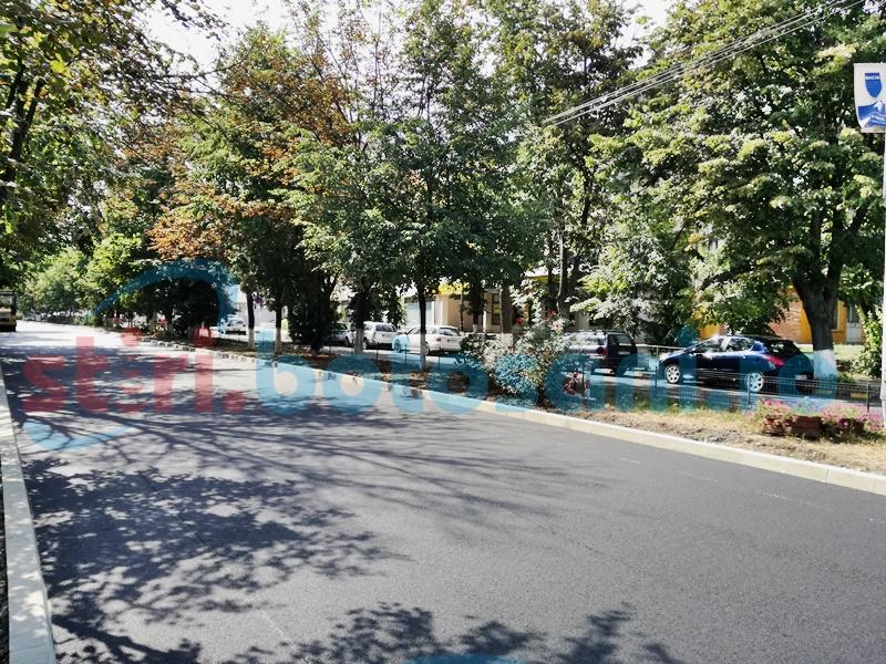 Modificări pe o stradă din municipiul Botoşani: Sens giratoriu şi fără gărduţ între sensurile de mers