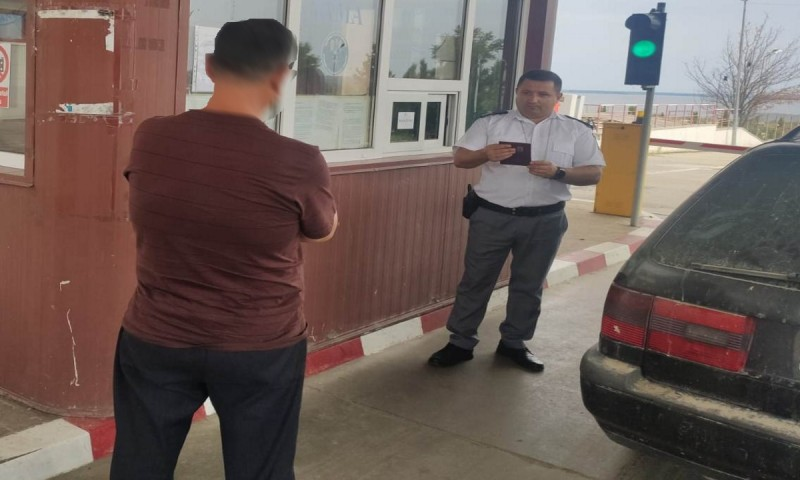 Moldovean condamnat pentru trecere ilegală a frontierei, reținut la Stânca