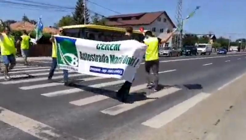 Moldovenii au blocat E85 la podul de la Mărăcineni! - VIDEO