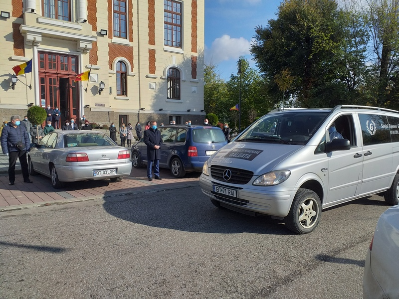 Moment de reculegere, în fața Primăriei din Dorohoi, în memoria fostului consilier al primarului, Constantin Onciu