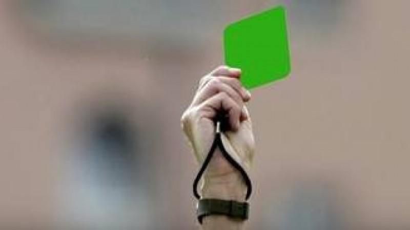 Moment istoric in fotbal: S-a acordat primul cartonas verde!