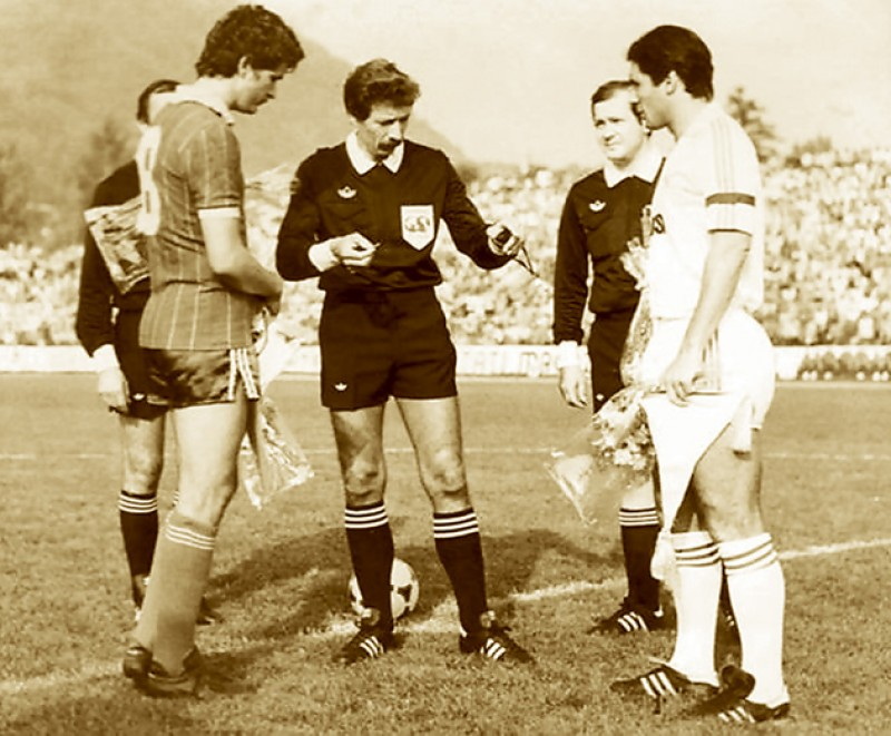 Mor și nu plânge nimeni! Dispar echipele de tradiţie ale fotbalului românesc