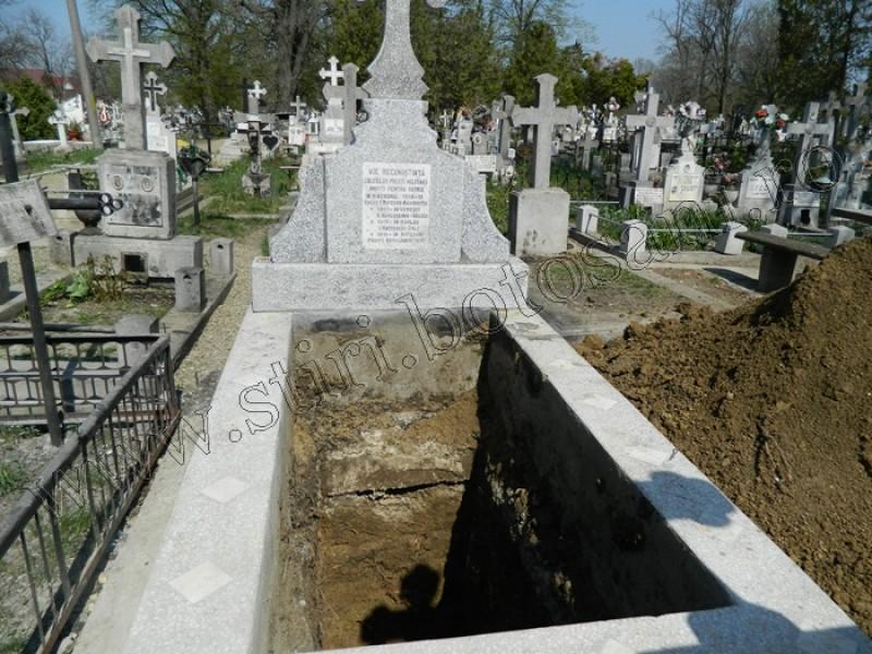 Mormântul celor 9 preoți din Cimitirul Eternitatea este gol! FOTO