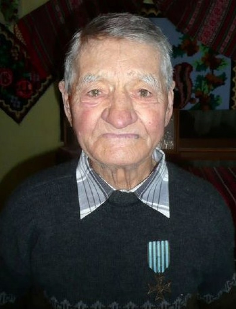 MOŞ ANDREI NICHITA, ţăranul român la 90 de ani!