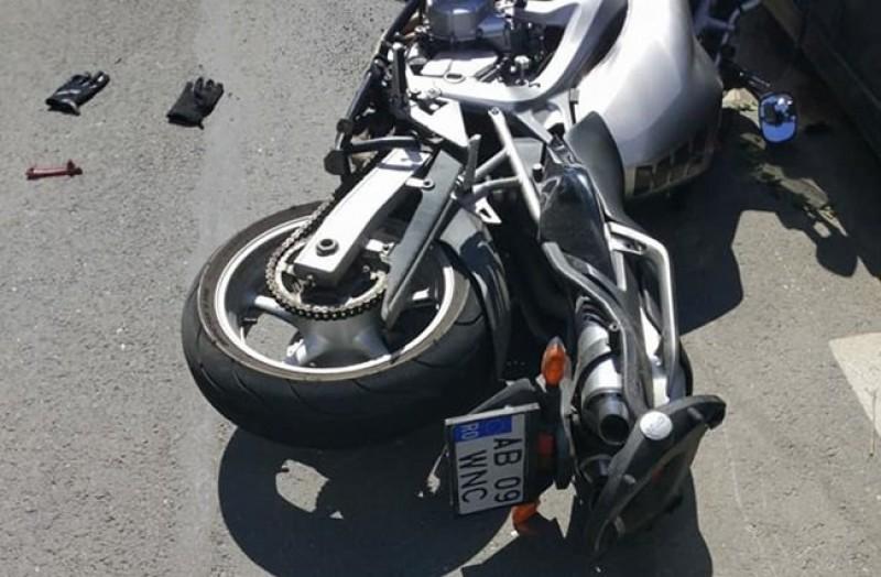 Motociclist rănit în urma coliziunii cu un autoturism