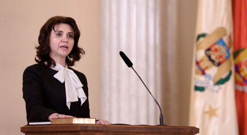 Multora deja le tremură pantalonii. Monica Anisie, ministrul Educației: Vom face publice 7.000 de teze de doctorat!