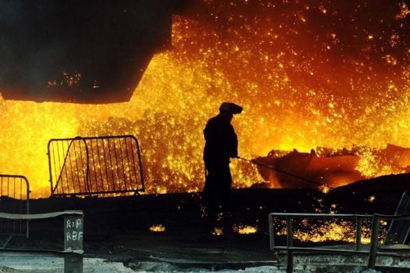 Muncitor ars cu oțel topit trimis de urgență la Bruxelles!