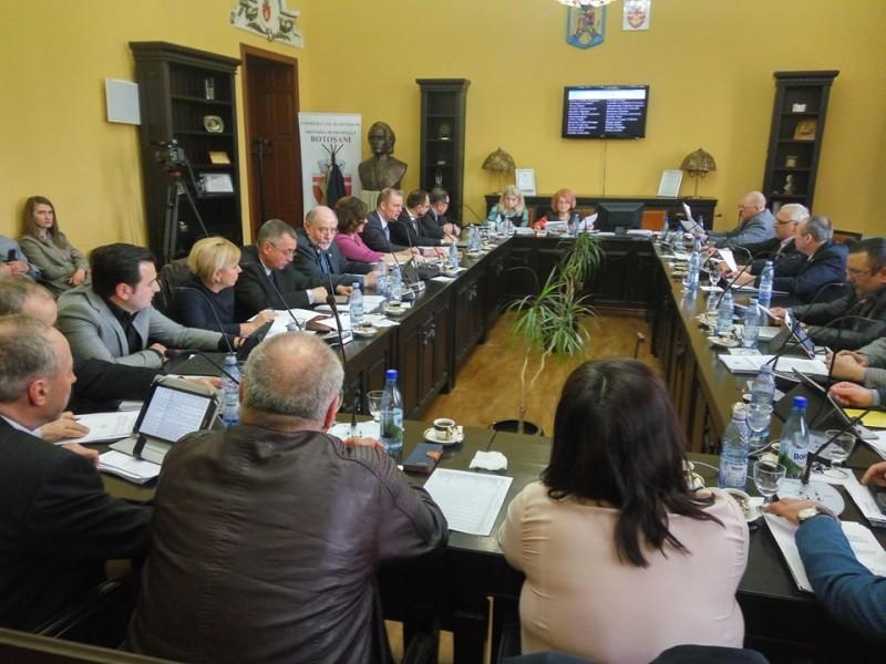 Municipiul Botoșani are doi noi Cetățeni de Onoare! Vot unanim în Consiliul Local