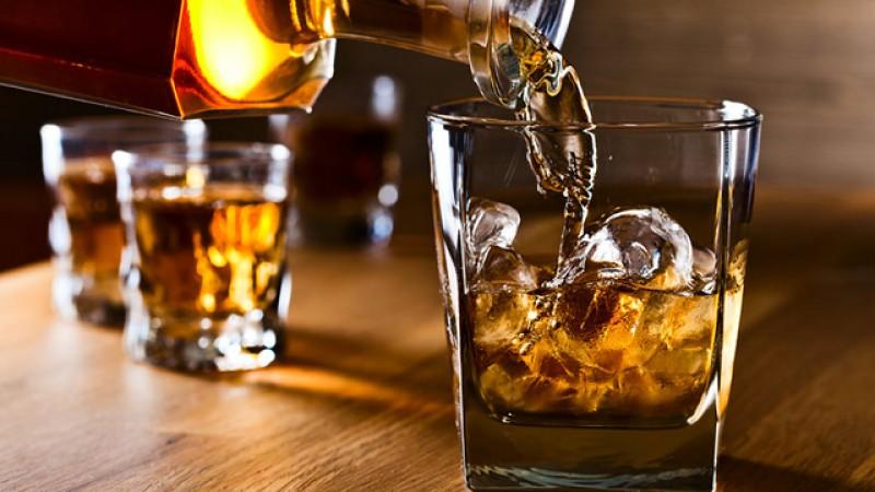 Ne-am boierit: Consumul de whisky a crescut cu peste 11%în primele opt luni ale anului
