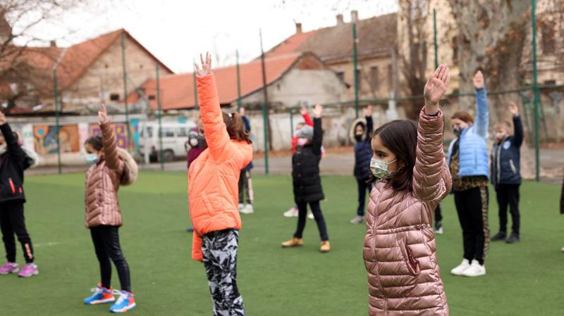 """Ne """"dezgheață"""" europenii: România, singura țară din Uniunea Europeană care obligă la purtarea măștii în timpul orelor de sport"""