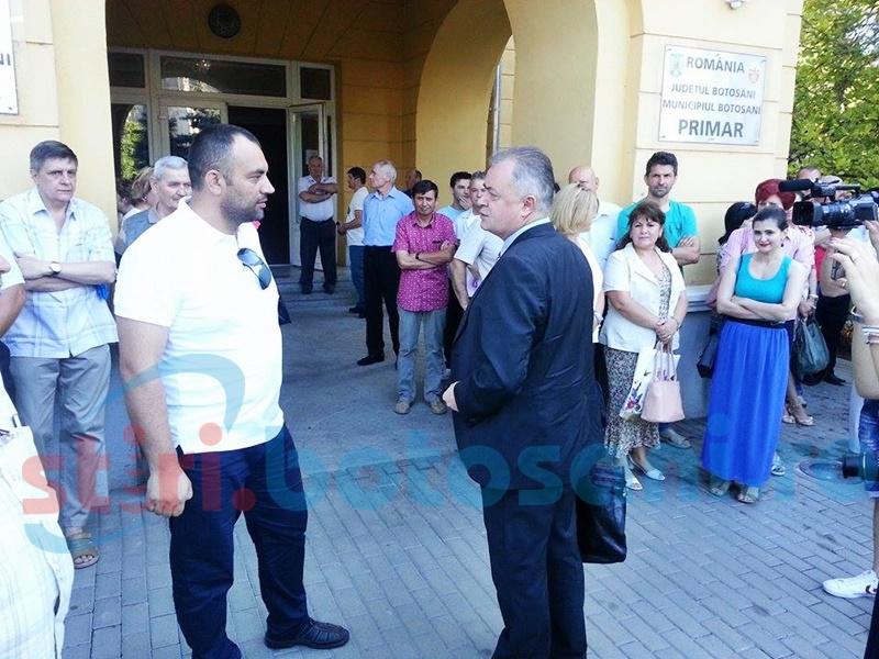 Negocieri pentru salarii la Primăria Botoșani