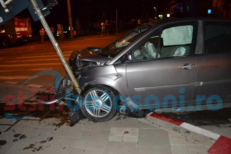 Trei dosare penale pentru trei persoane în urma accidentului de marţi noapte, de pe Ion Pillat!