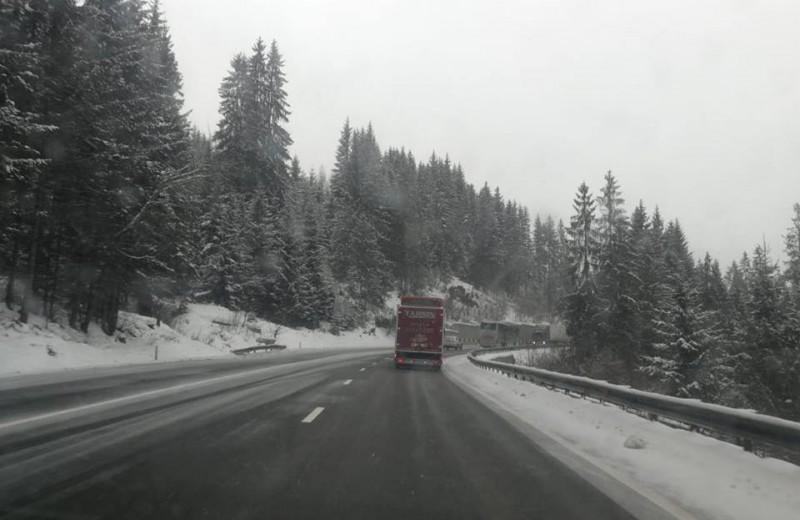 Ninge în jumătatea nordică a Moldovei. Cum se circulă pe drumurile naționale