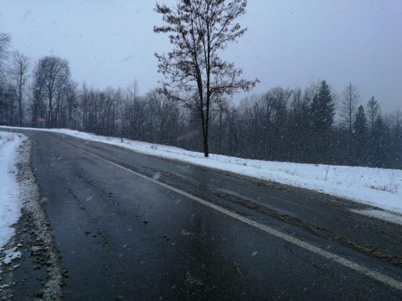 Ninsori și carosabil umed în Moldova. Cum se circulă pe drumurile naționale