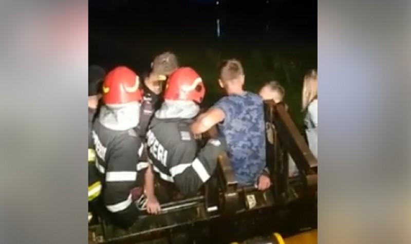 Noapte de foc pe malul Prutului pentru pompieri ISU de la Botoșani - Video