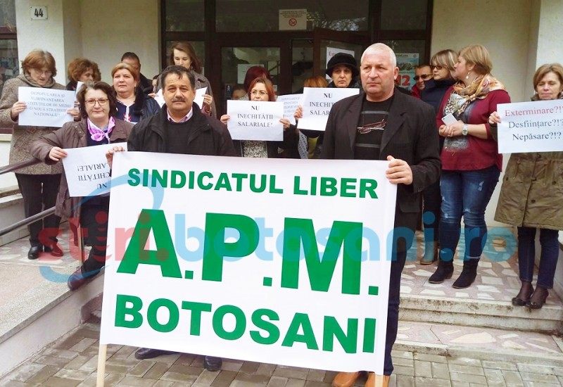 Noi proteste la Agentia pentru Protectia Mediului! Angajatii ameninta cu blocarea fondurilor europene! FOTO