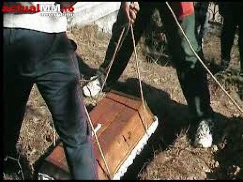 Norme ale serviciilor funerare şi înmormântării, schimbate de Guvern. În ce condiţii este interzisă fotografierea, iar îmbălsămarea devine obligatorie!