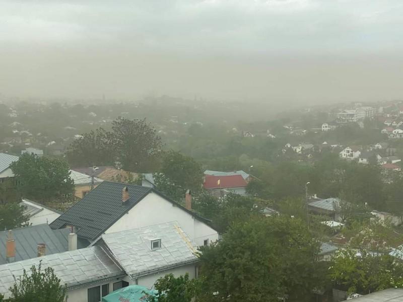 Norul de praf saharian afectează Botoșani