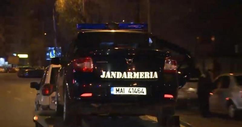 Nouă autoturisme escortate spre centrele de carantină din Botoșani. Numărul celor găzduiți instituționalizat a ajuns la 481